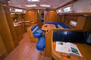 Bavaria+46+Salon unser schöner Yachtcharter Verleih Grenchen