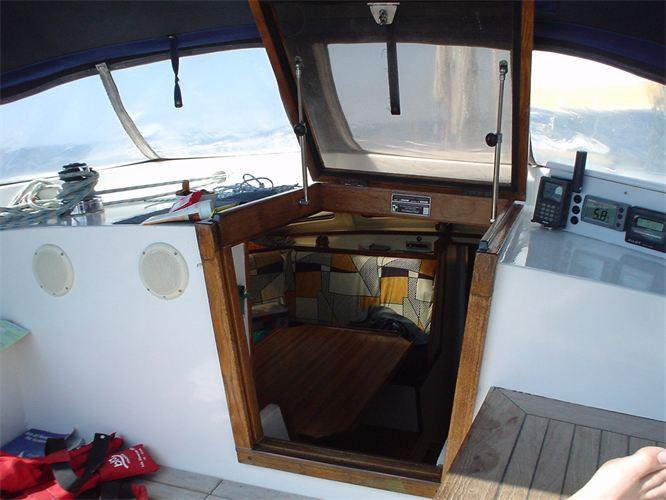 Die Yacht bei der Segelschule & Motorbootschule Bielersee - Dürrenmatt10