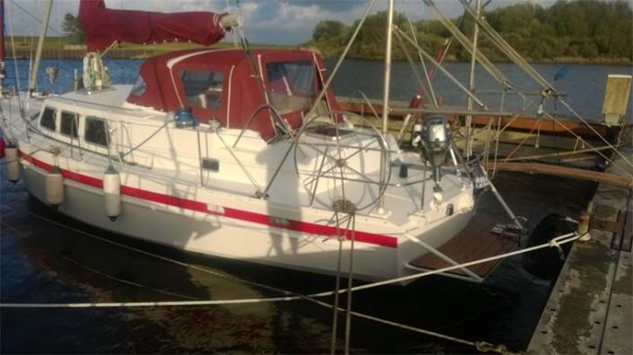 Die Yacht bei der Segelschule & Motorbootschule Bielersee - Dürrenmatt19
