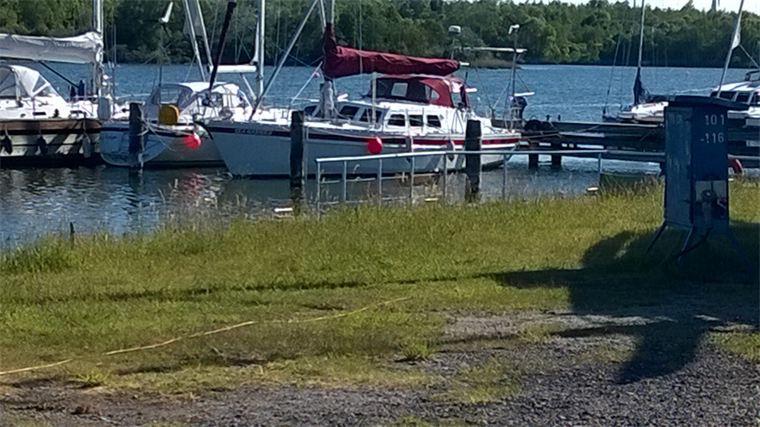 Die Yacht bei der Segelschule & Motorbootschule Bielersee - Dürrenmatt29