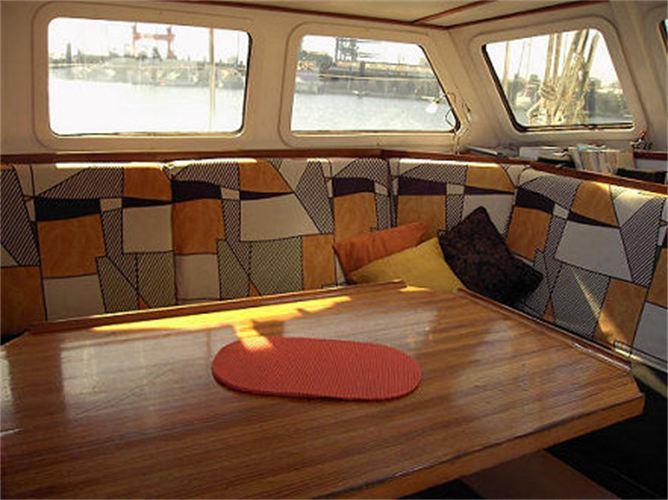 Die Yacht bei der Segelschule & Motorbootschule Bielersee - Dürrenmatt6