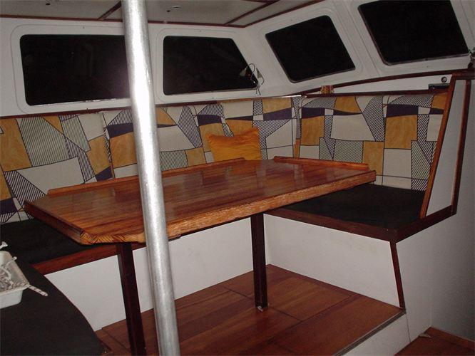 Die Yacht bei der Segelschule & Motorbootschule Bielersee - Dürrenmatt8